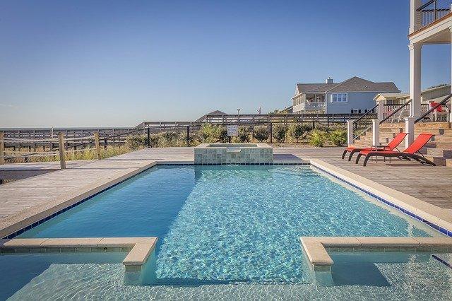 luxusní bazén